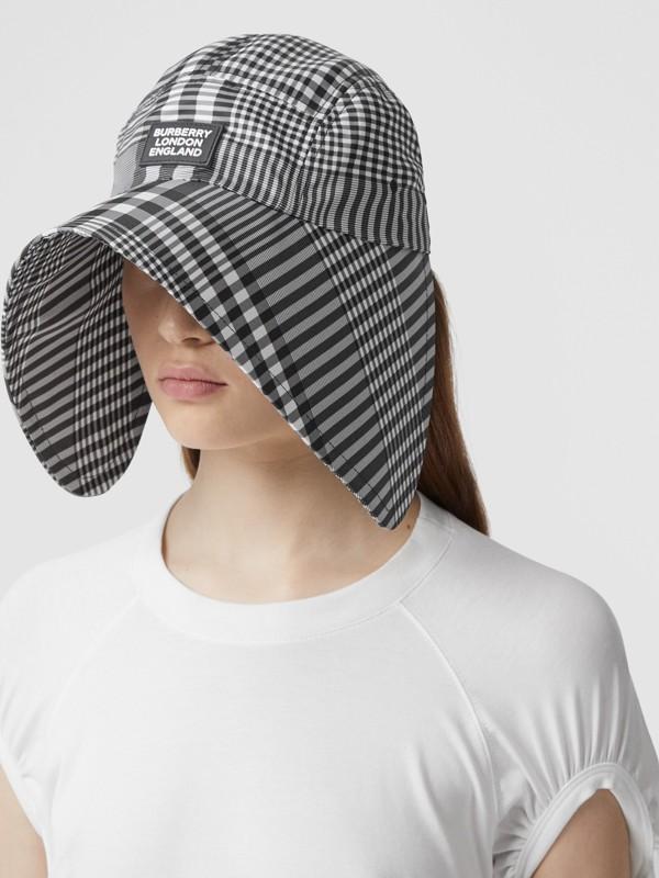 Logo Appliqué Check Bonnet Cap in Black/white | Burberry United Kingdom - cell image 2
