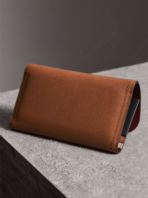 Two-tone Leather Continental Wallet and Coin Case in Bright Toffee/ Multi - Women | Burberry - cell image 2