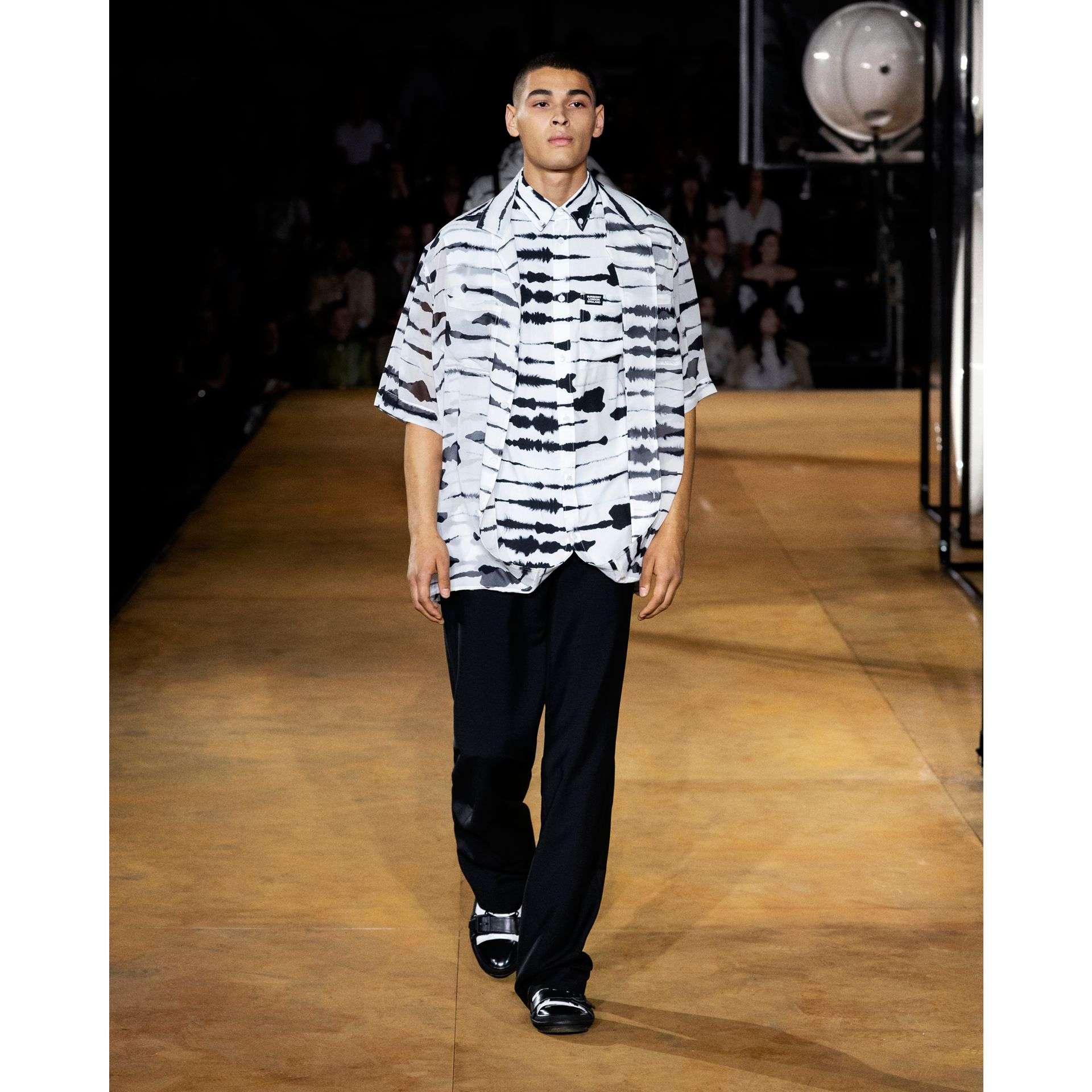 Short-sleeve Silk Overlay Watercolour Print Twill Shirt in Monochrome | Burberry United States - gallery image 10