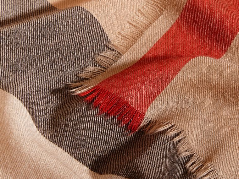Extra-long Lightweight Cashmere Check Scarf in Camel | Burberry - cell image 4
