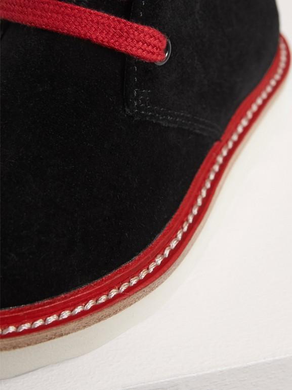 Desert boots de camurça com duas cores (Preto) | Burberry - cell image 1
