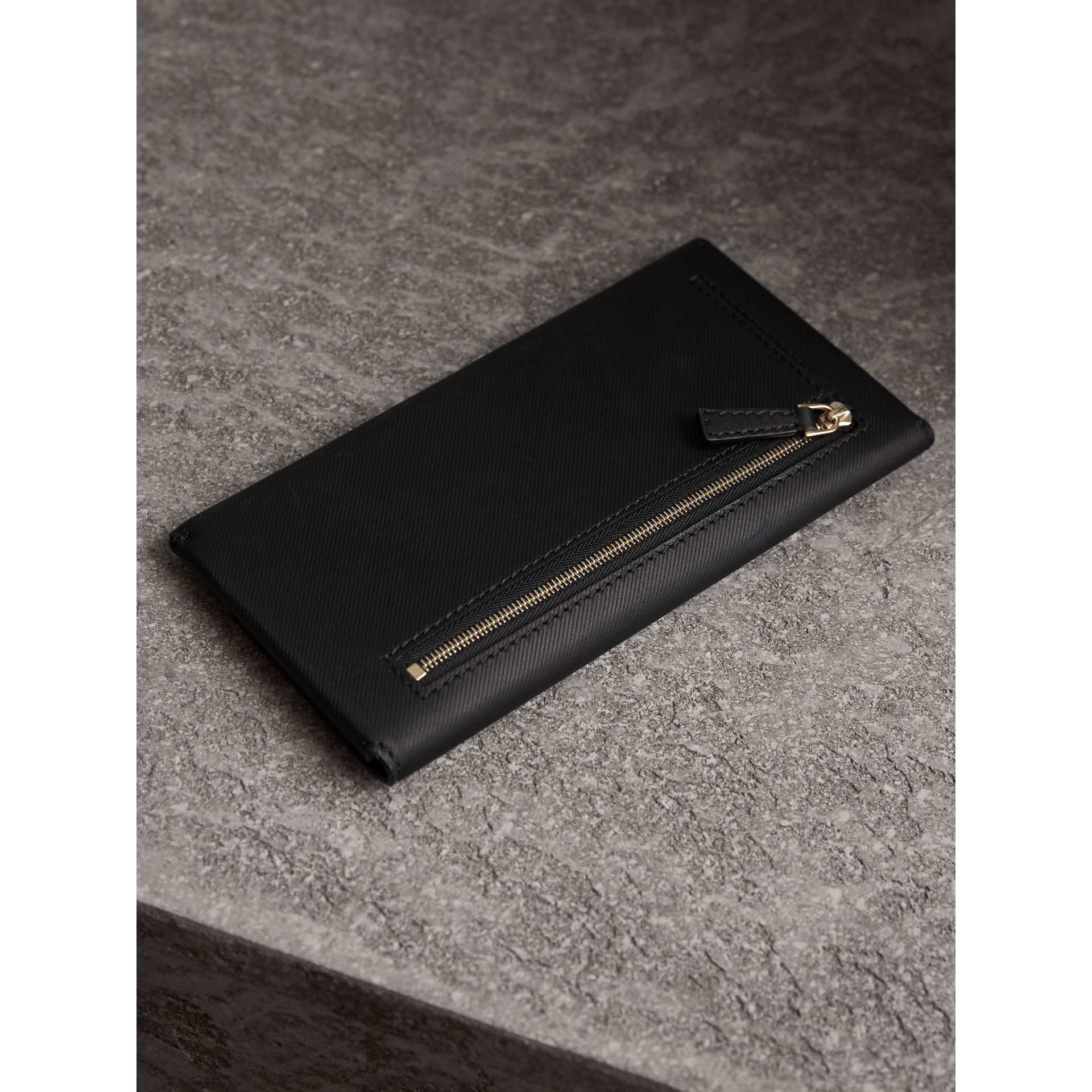 Trench Leather Envelope Wallet in Black - Women | Burberry - gallery image 2
