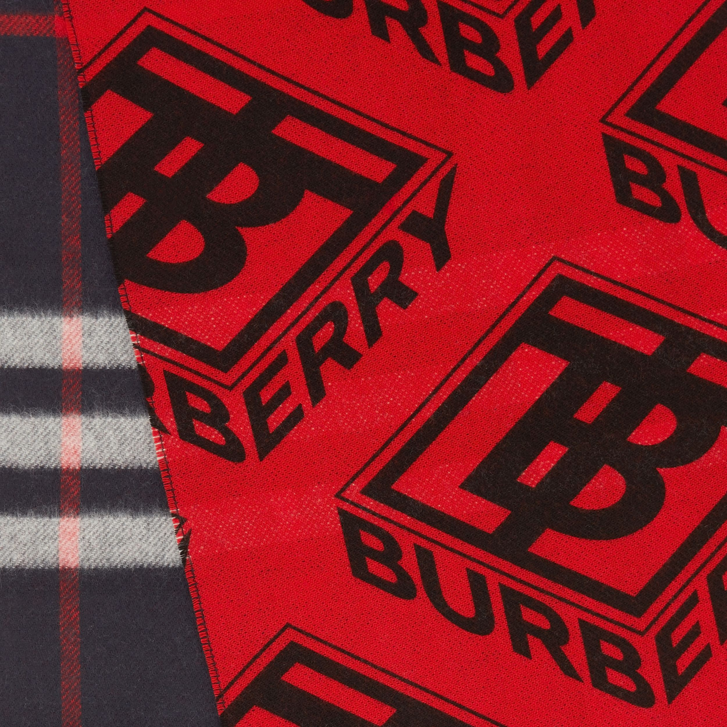 Reversible Check and Logo Graphic Cashmere Scarf in Navy/red | Burberry - 2