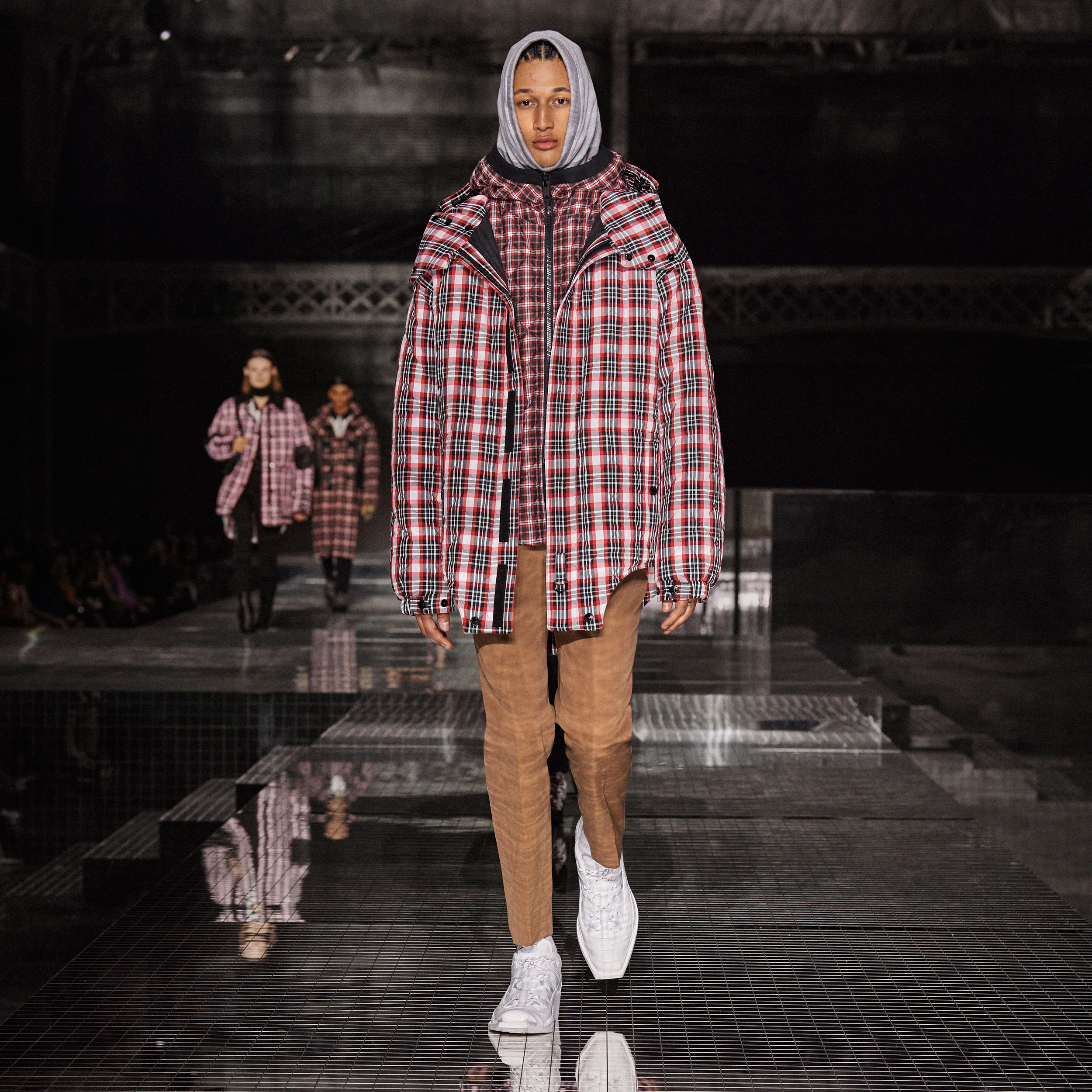 Diamond Quilted Check Hooded Jacket in Bright Red | Burberry - 2