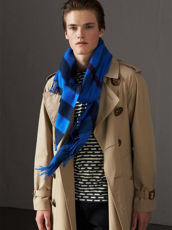 The Burberry Bandana in Check Cashmere in Bright Blue