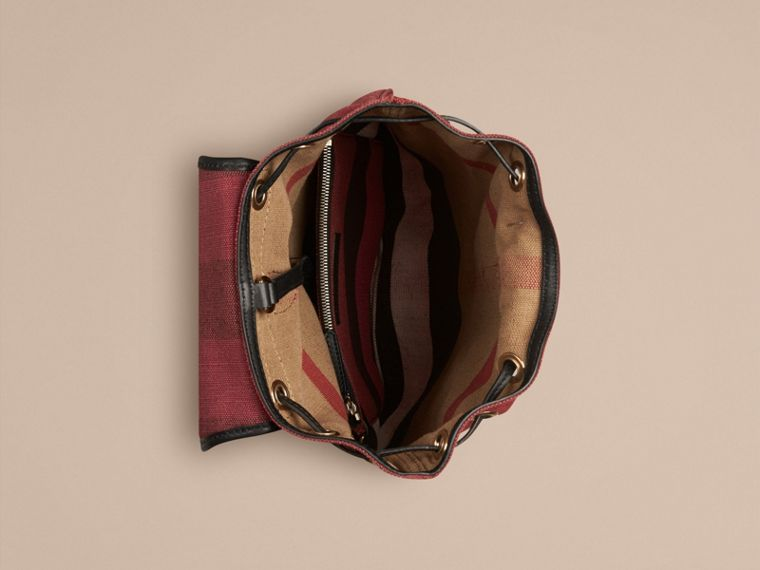 Pflaumenfarben Rucksack mit überfärbtem Canvas Check-Muster Pflaumenfarben - cell image 2