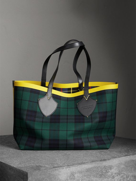 The Giant Reversible Tote in Tartan Cotton in Racing Green/cobalt Blue