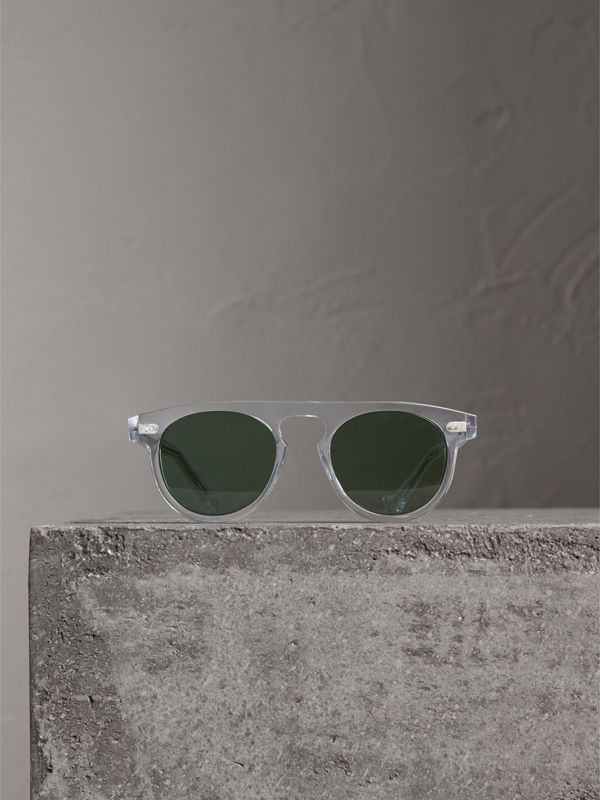 The Keyhole Round Frame Sunglasses in Crystal/green | Burberry United Kingdom - cell image 3