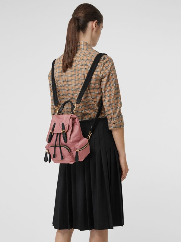 The Small Crossbody Rucksack aus Nylon (Malvenfarben-rosa) - Damen | Burberry - cell image 3