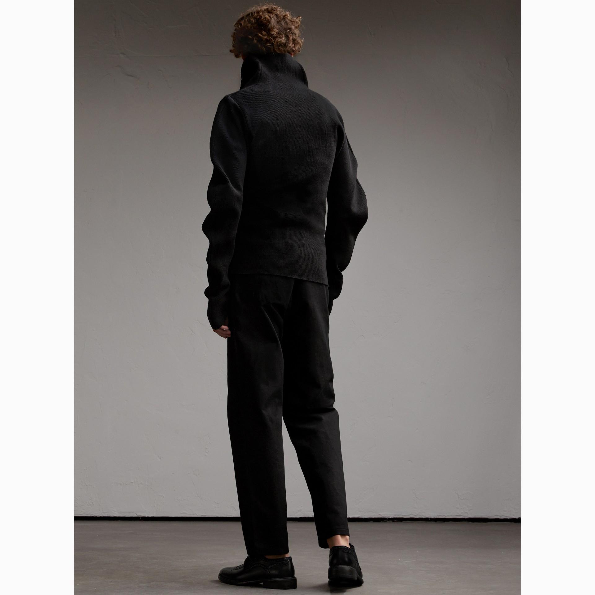 Formschöner Rippstrickpullover aus einer Wollmischung (Schwarz) - Herren | Burberry - Galerie-Bild 3