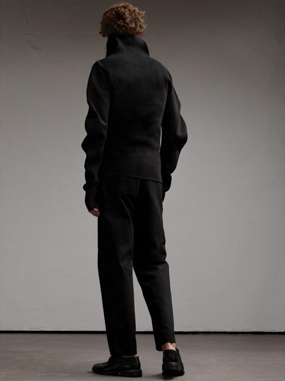 Formschöner Rippstrickpullover aus einer Wollmischung (Schwarz) - Herren | Burberry - cell image 2