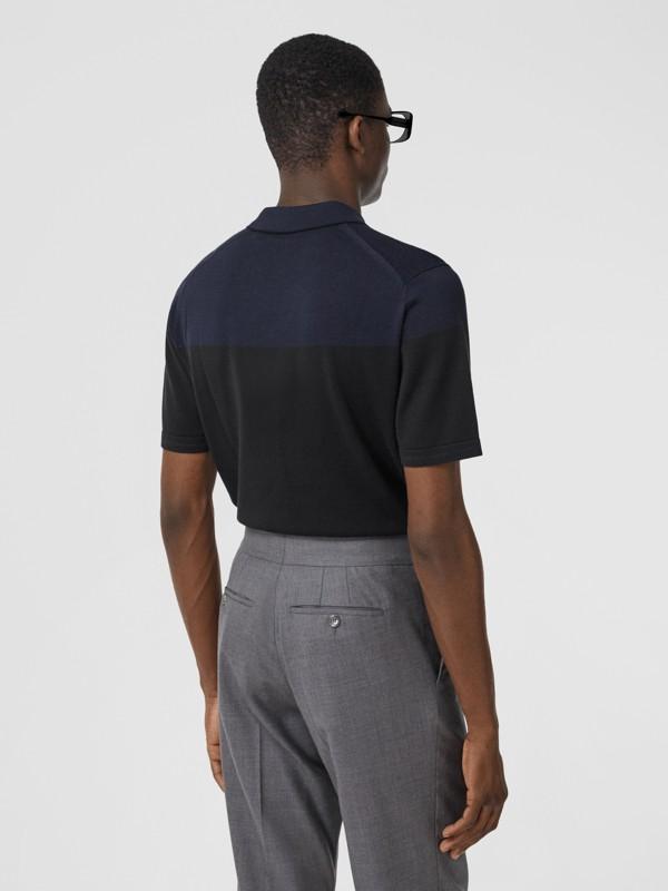 モノグラムモチーフ ツートン シルクカシミア ポロシャツ (ブラック/ネイビー) - メンズ | バーバリー - cell image 2