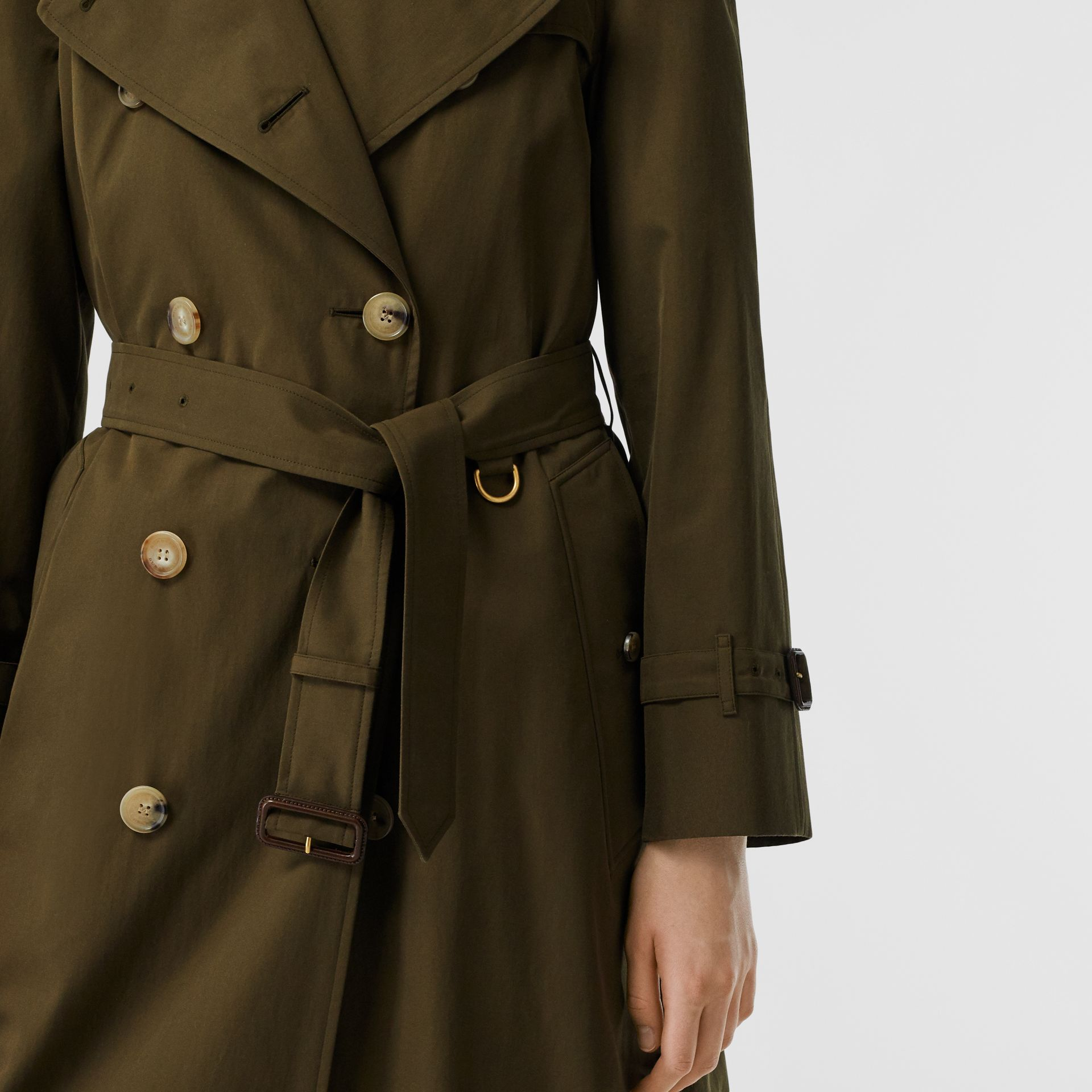 The Long Westminster Heritage Trench Coat in Dark Military Khaki - Women | Burberry Hong Kong S.A.R - gallery image 5