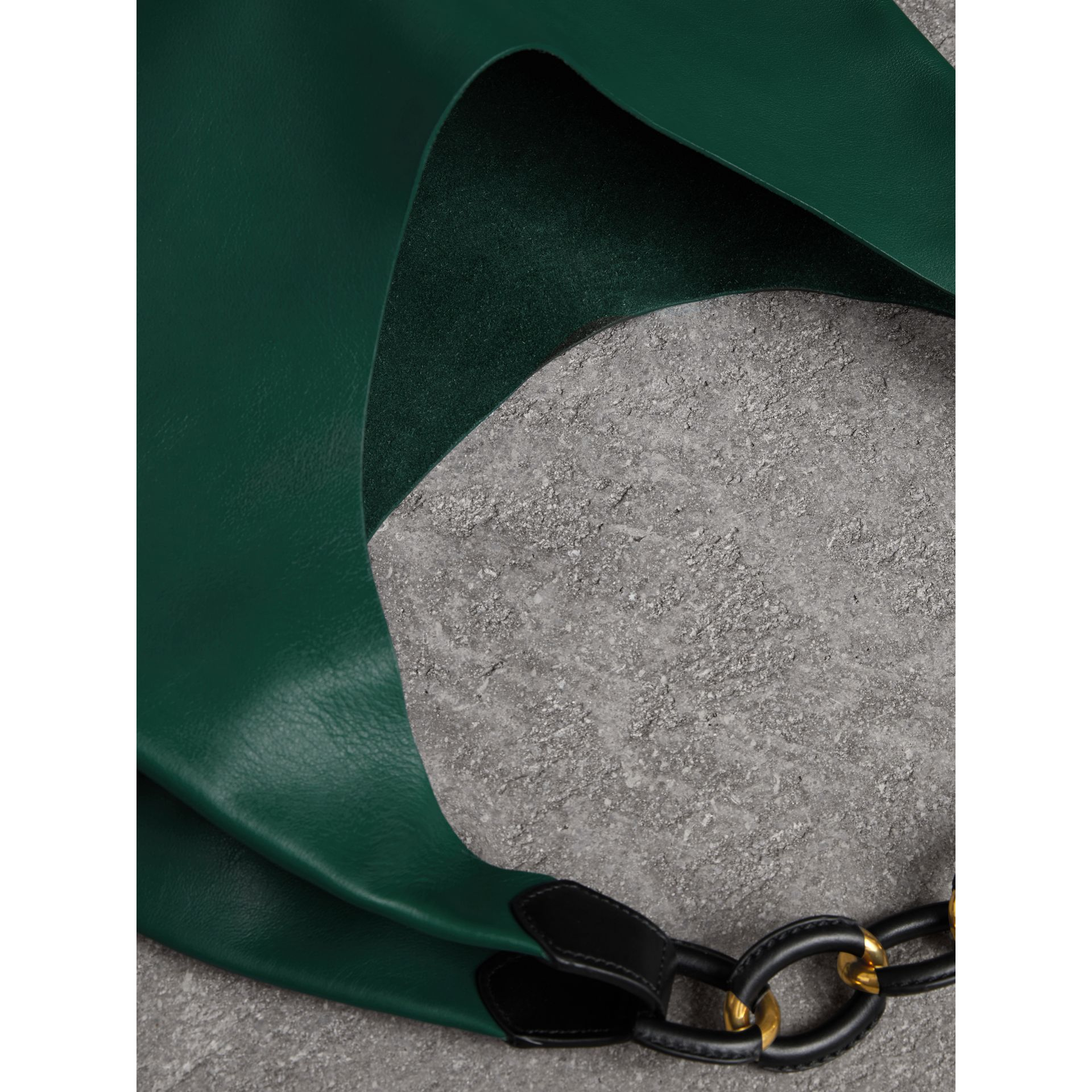Medium Two-tone Leather Shopper in Racing Green - Women | Burberry - gallery image 5