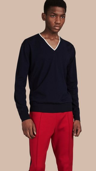 Contrast Trim Wool V-neck Sweater