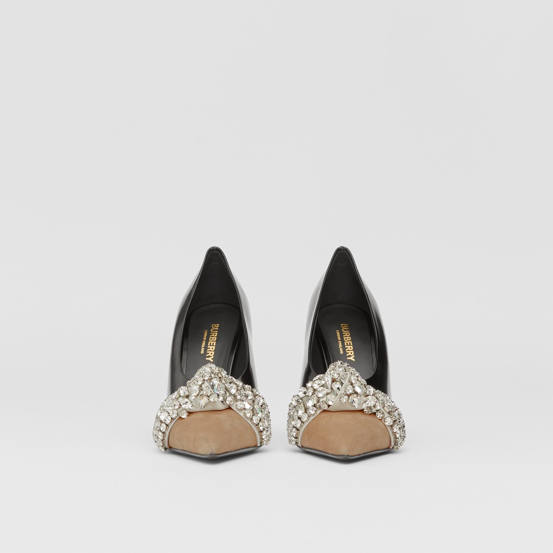 Spitz zulaufende Pumps aus Leder und Veloursleder mit Kristalldetail (Schwarz) - Damen | Burberry - Galerie-Bild 3