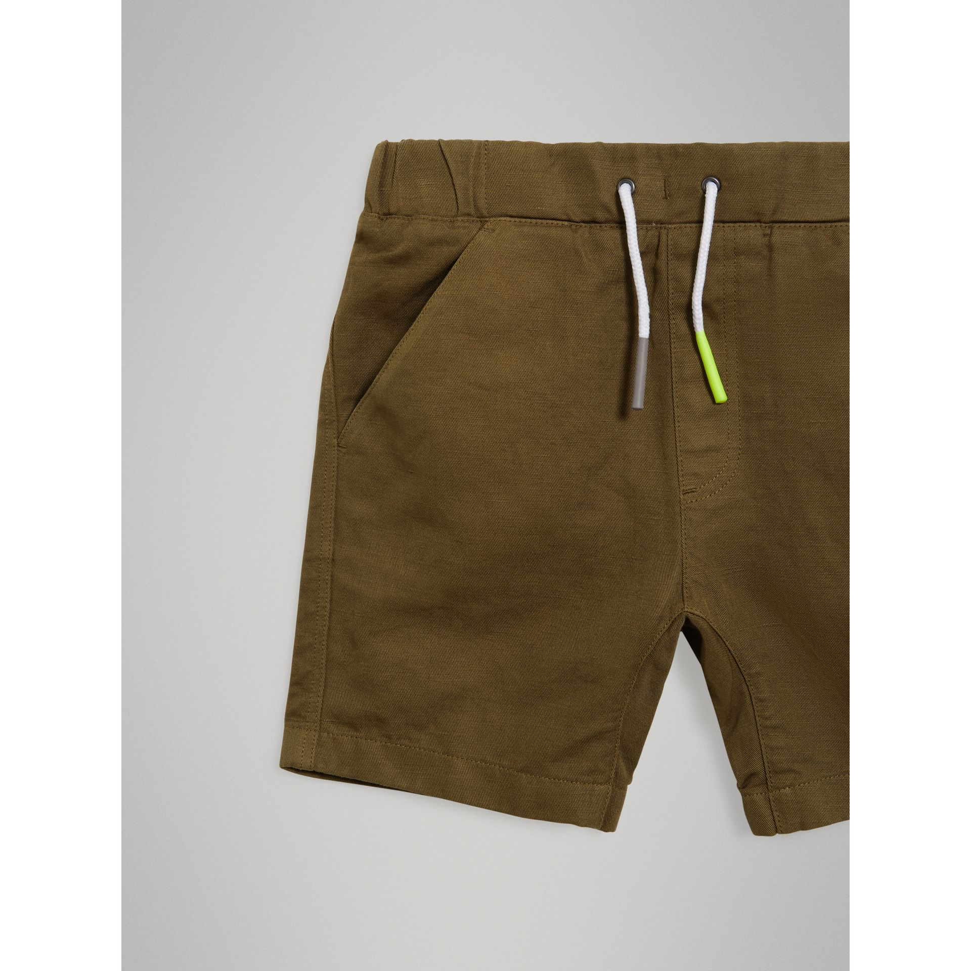 Drawcord Cotton Linen Twill Shorts in Olive - Boy | Burberry - gallery image 4