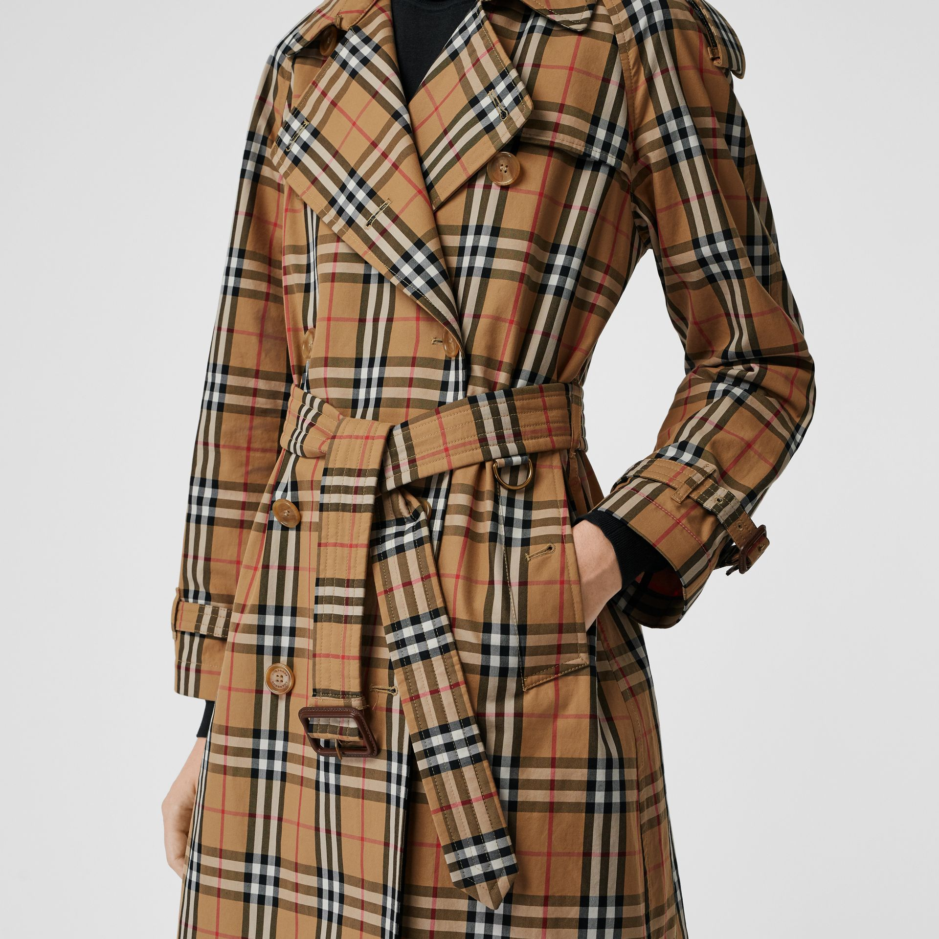 Trench en coton laminé à motif Vintage check (Jaune Antique) - Femme | Burberry - photo de la galerie 5