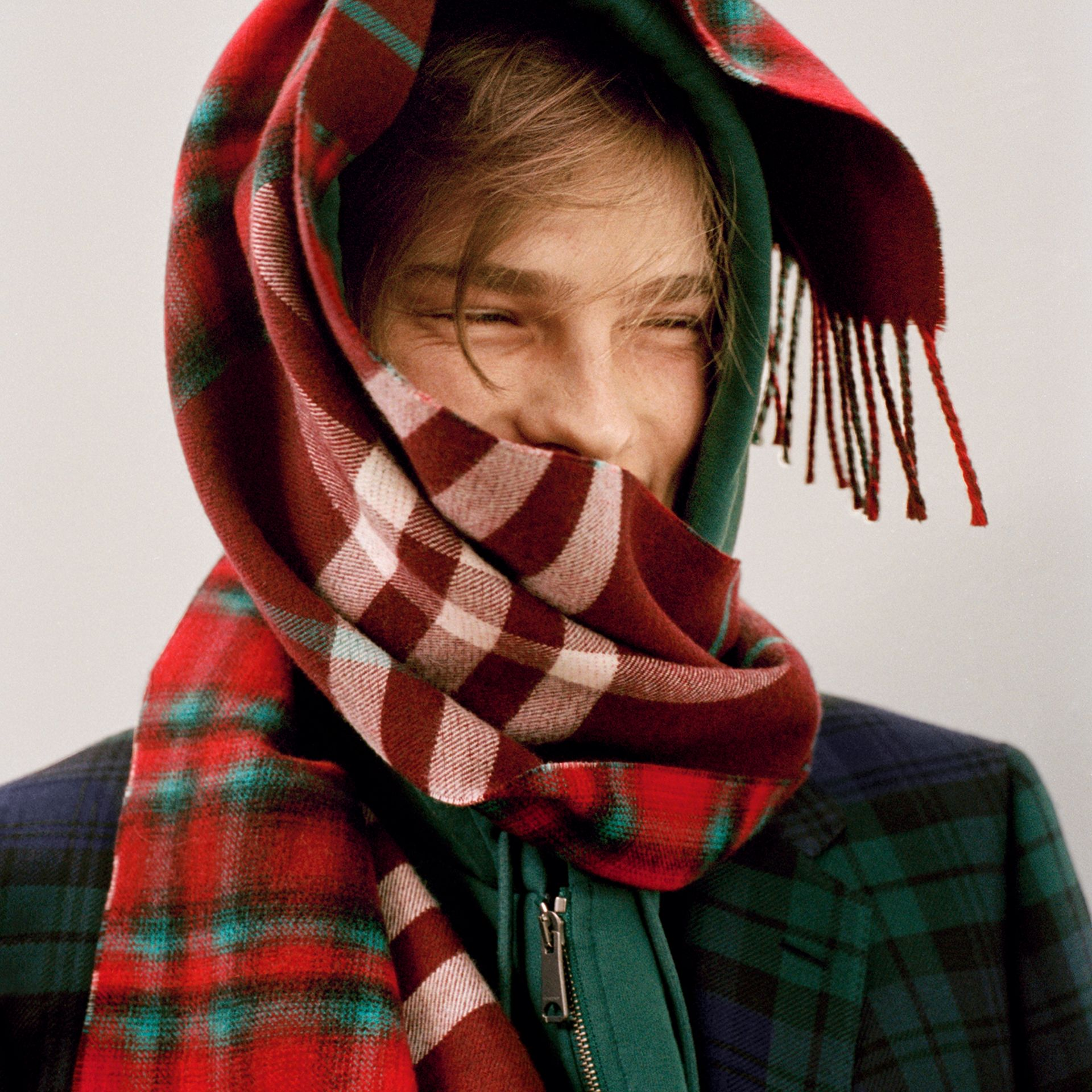 Check Merino Wool Scarf in Claret | Burberry United Kingdom - gallery image 3