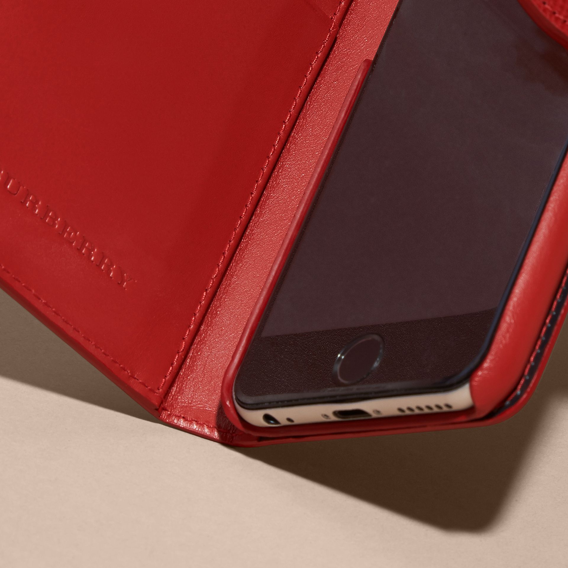 Dark military red London Leather iPhone 6 Flip Case - gallery image 3