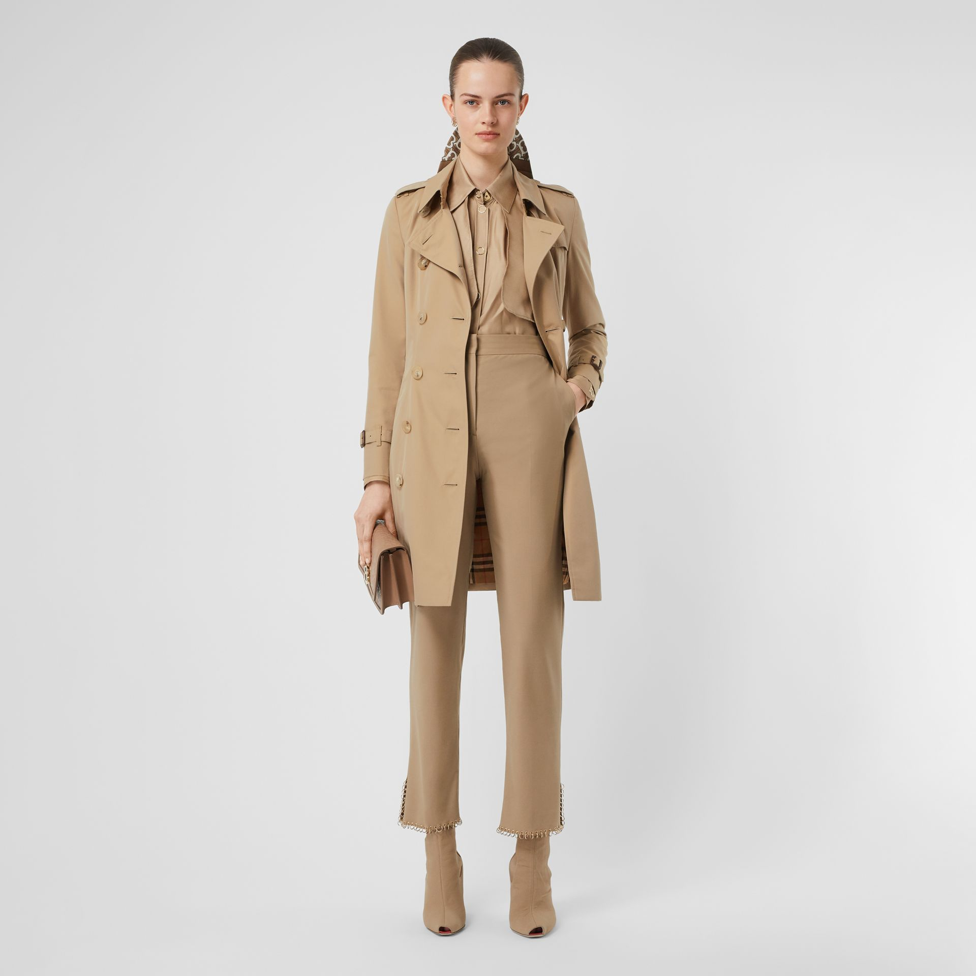 The Chelsea Heritage Trench Coat in Honey - Women | Burberry - gallery image 0