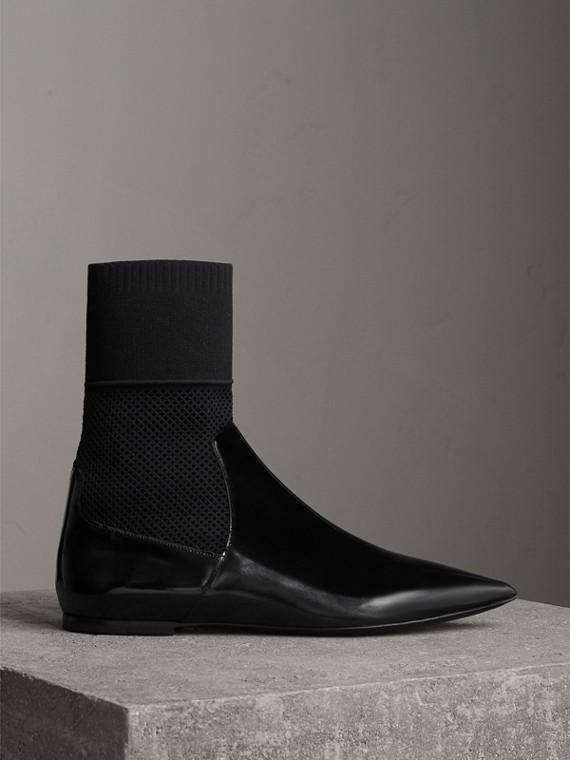 Ankle Boots em couro envernizado e tecido (Preto)