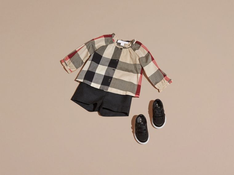 New classic check Check Cotton Shirt with Ruffle Detail - cell image 4
