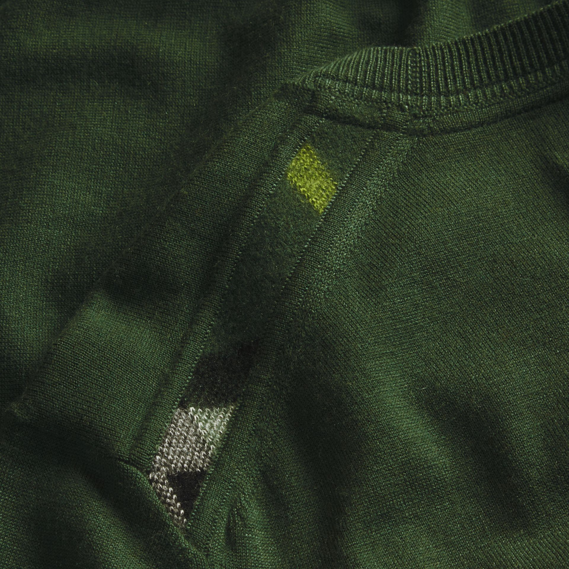Olive green Lightweight Crew Neck Cashmere Sweater with Check Trim Olive Green - gallery image 2