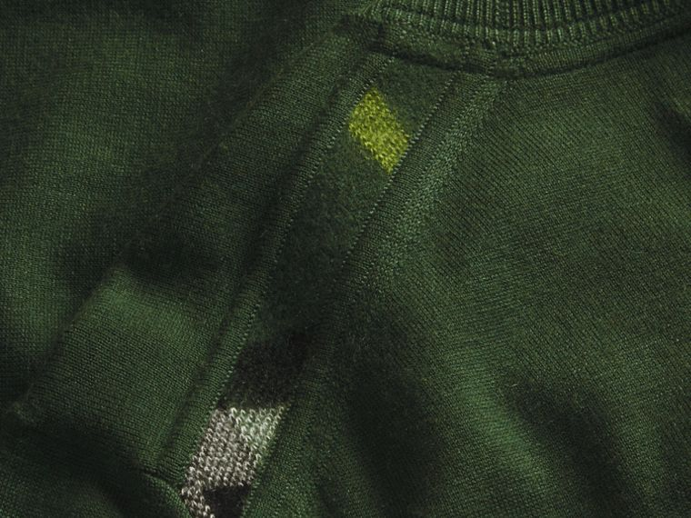 Olive green Lightweight Crew Neck Cashmere Sweater with Check Trim Olive Green - cell image 1