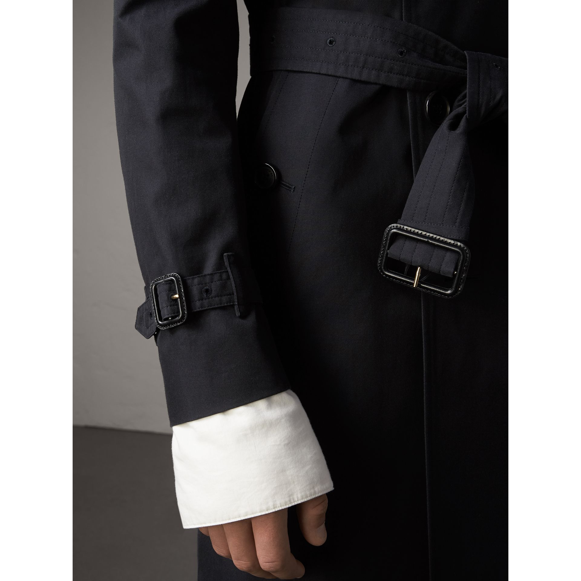 The Sandringham – Long Heritage Trench Coat in Navy - Men | Burberry Canada - gallery image 7