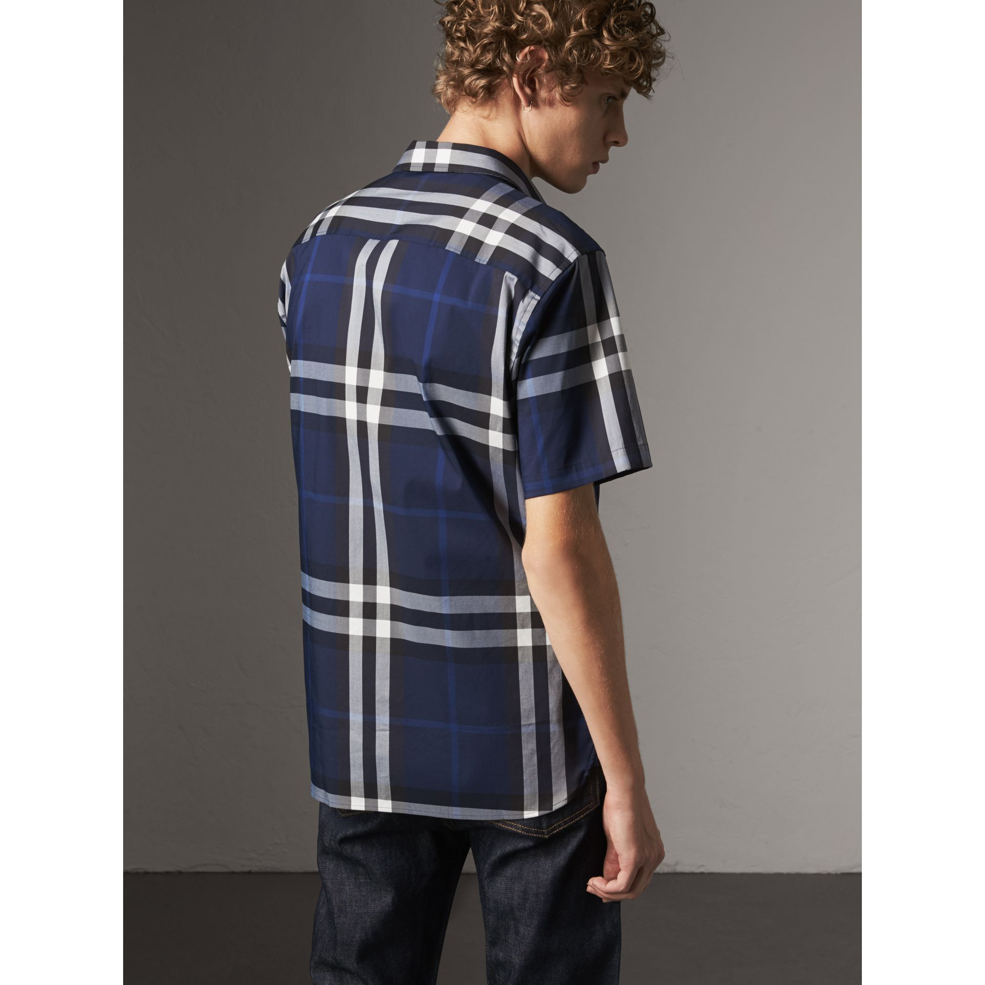 Short-sleeved Check Stretch Cotton Shirt in Indigo Blue - Men | Burberry - gallery image 3