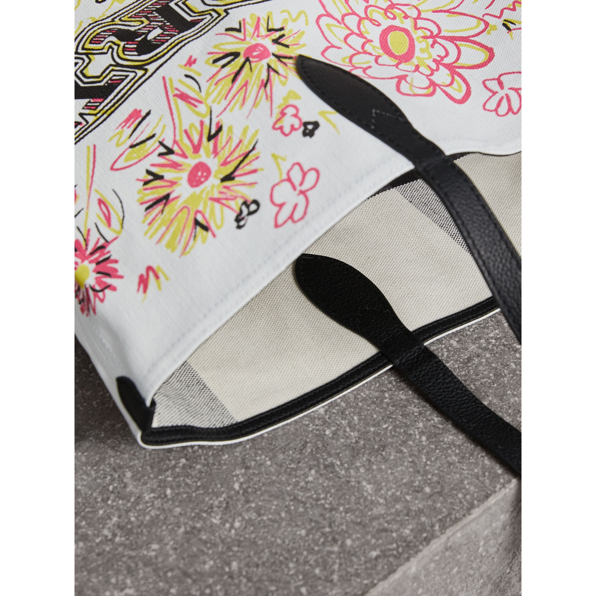 The Medium Doodle Tote in wendbarem Design (Weiss/schwarz) - Damen | Burberry - Galerie-Bild 1