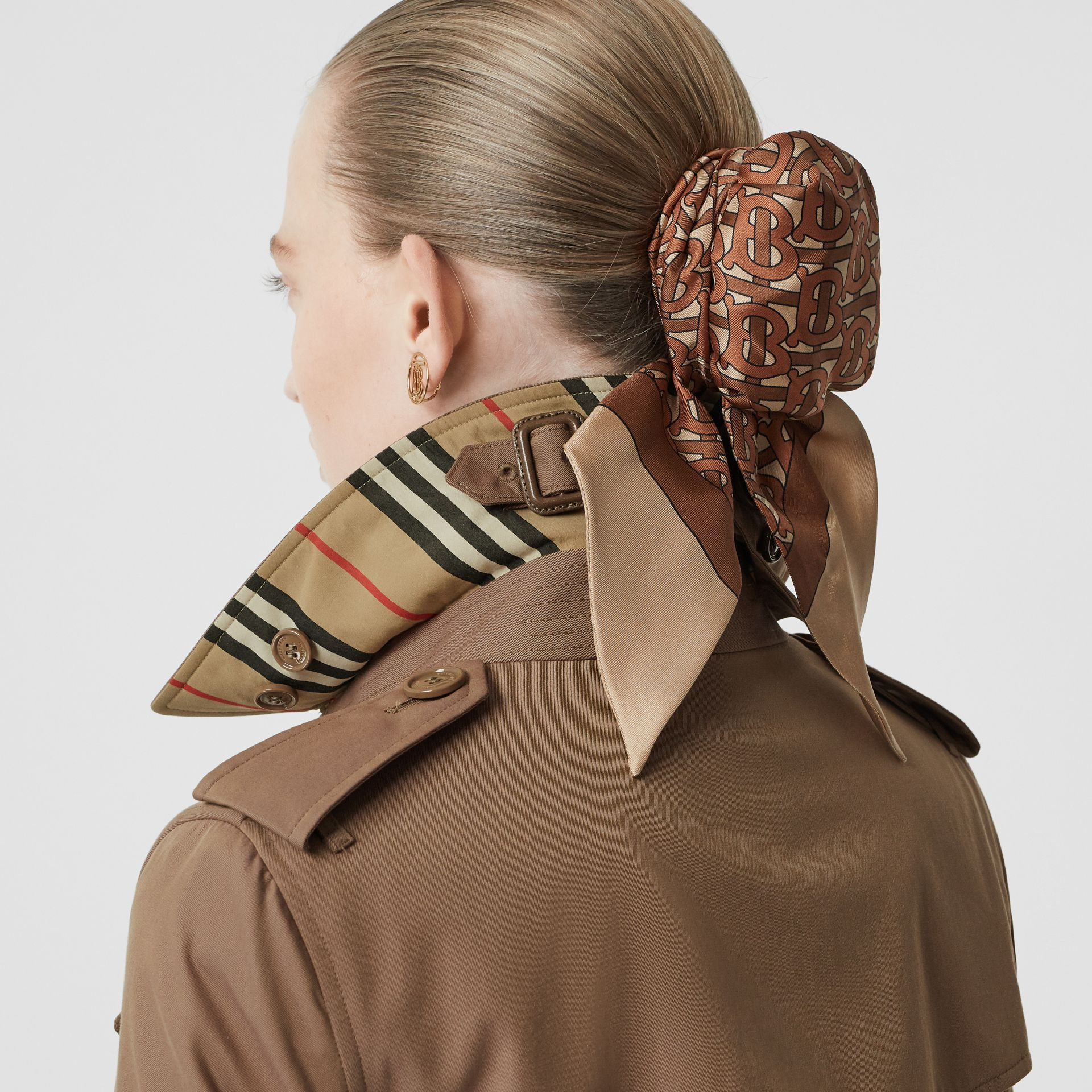 Trench en gabardine tropicale (Taupe) - Femme | Burberry - photo de la galerie 5