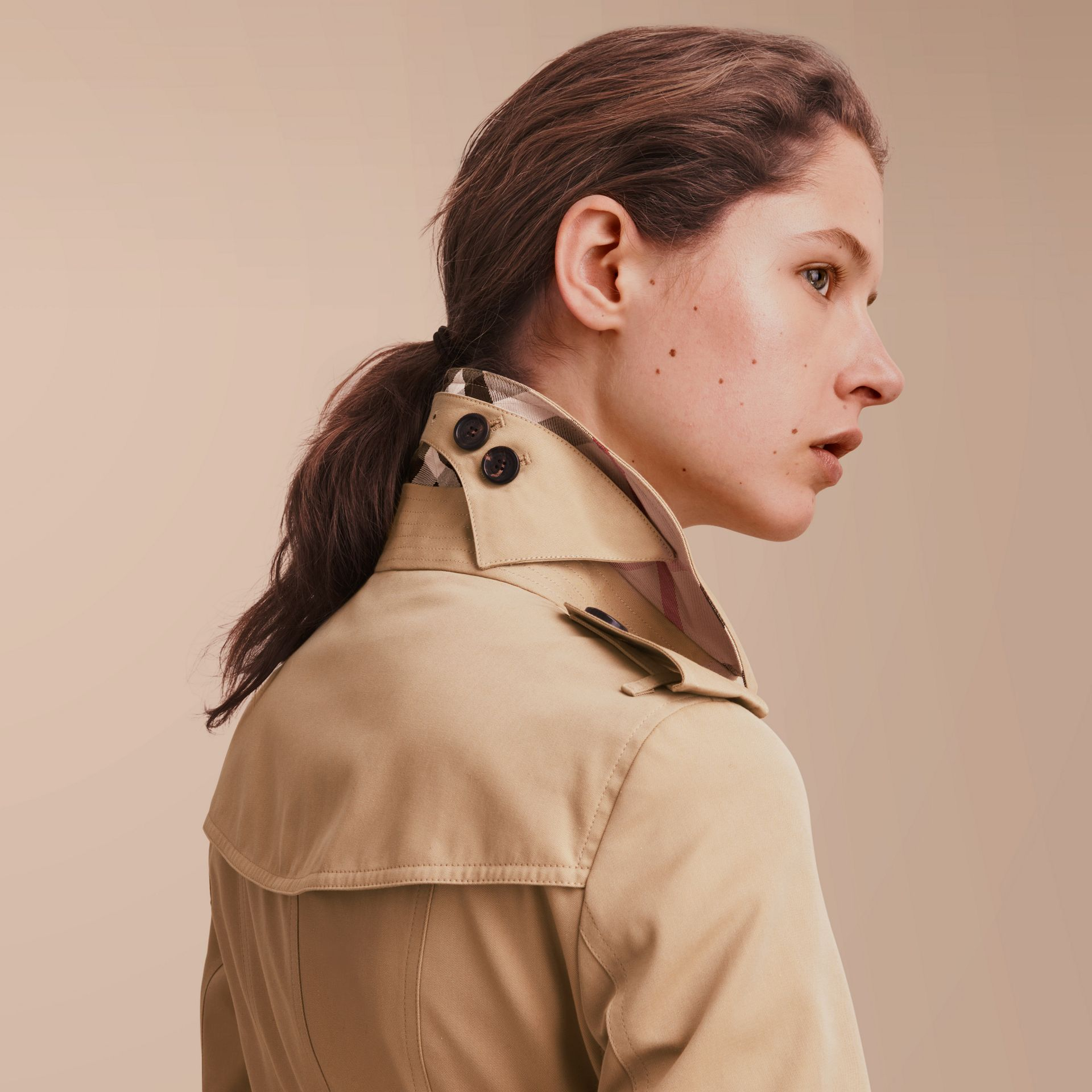The Sandringham – Short Heritage Trench Coat in Honey - gallery image 5