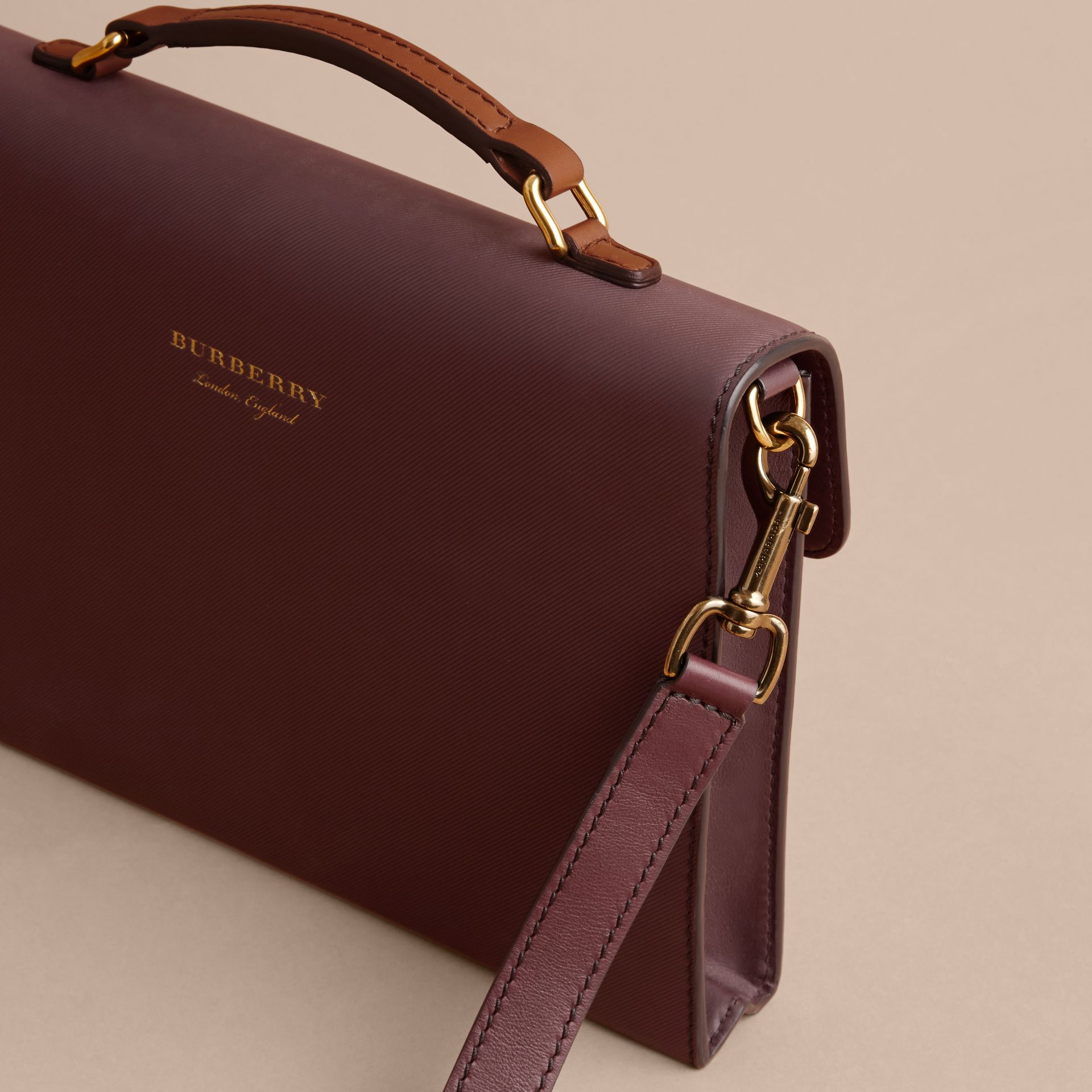 The DK88 Document Case Wine - gallery image 6
