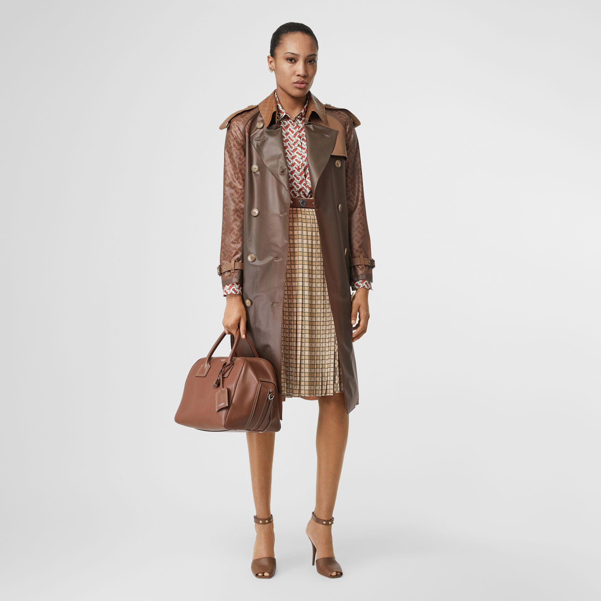 Contrast Graphic Print Pleated Skirt in Latte - Women | Burberry - gallery image 0