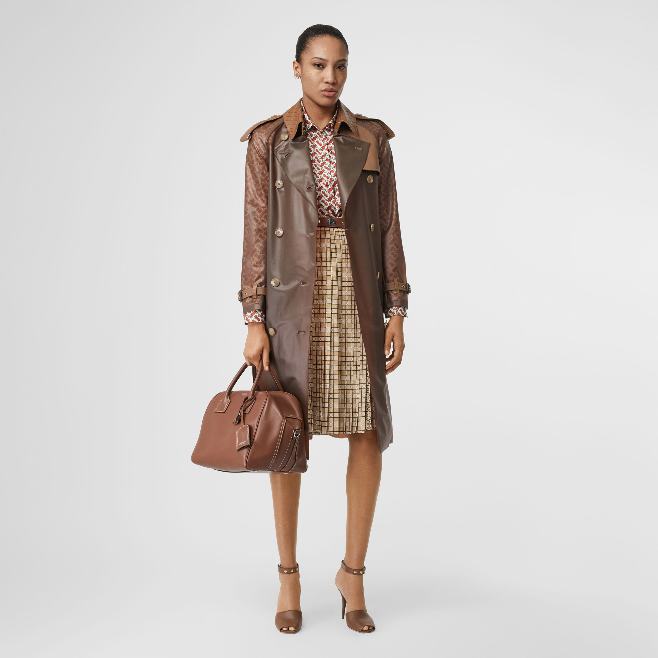 Contrast Graphic Print Pleated Skirt in Latte | Burberry Singapore - 1