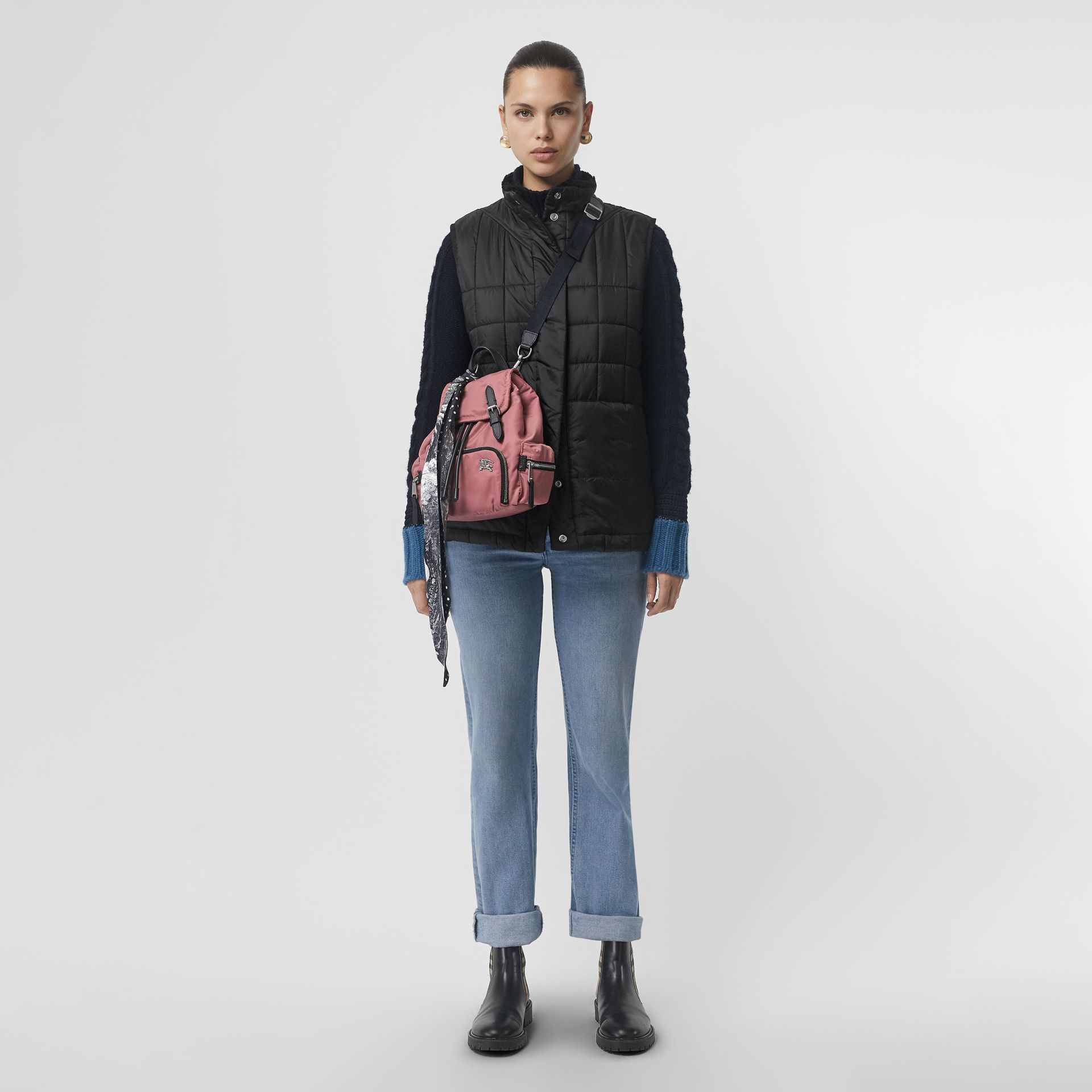 The Small Crossbody Rucksack aus wattiertem Nylon (Malvenfarben-rosa) - Damen | Burberry - Galerie-Bild 2