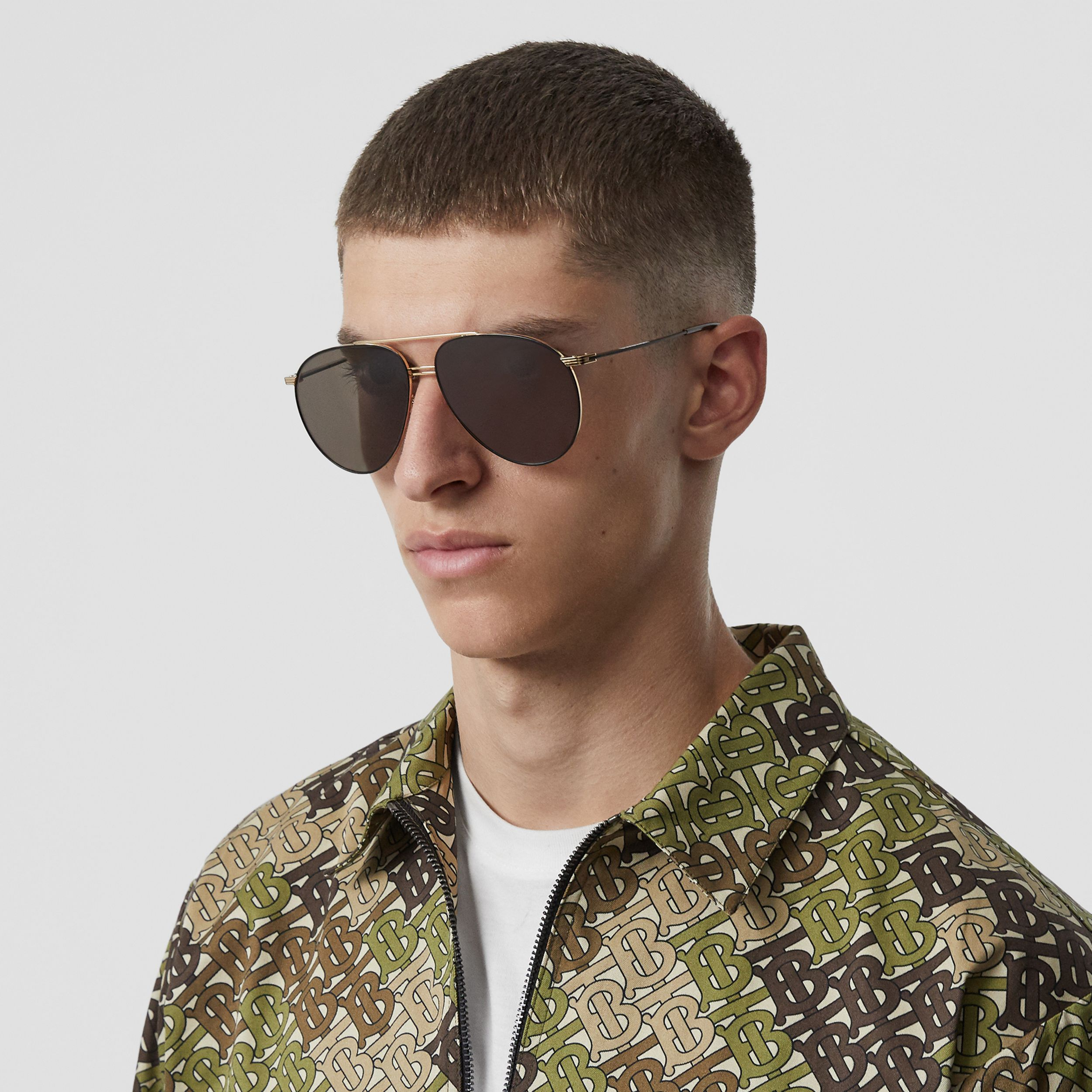 Top Bar Detail Pilot Sunglasses in Gold - Men | Burberry - 3