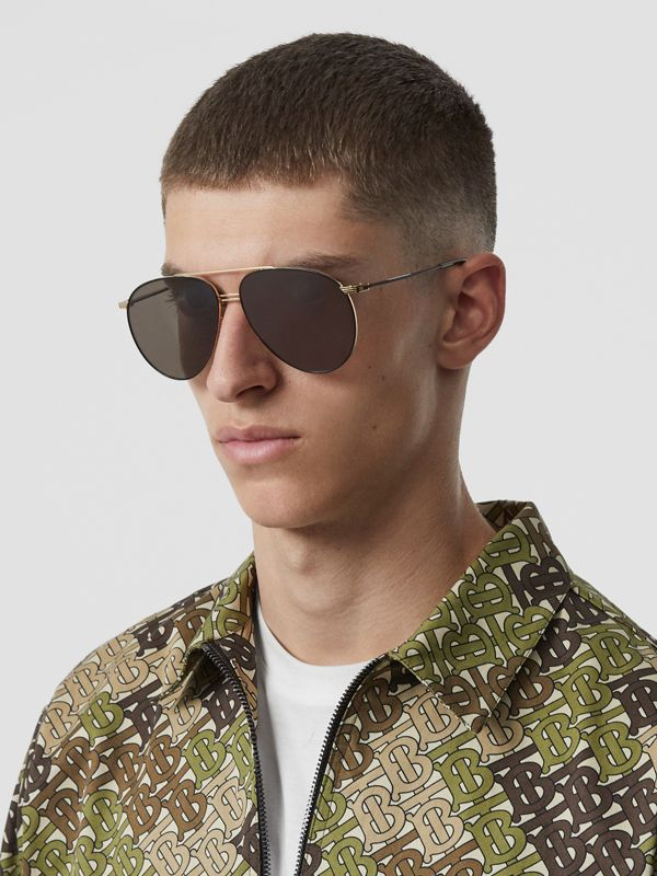 Top Bar Detail Pilot Sunglasses in Gold - Men | Burberry Canada - cell image 2