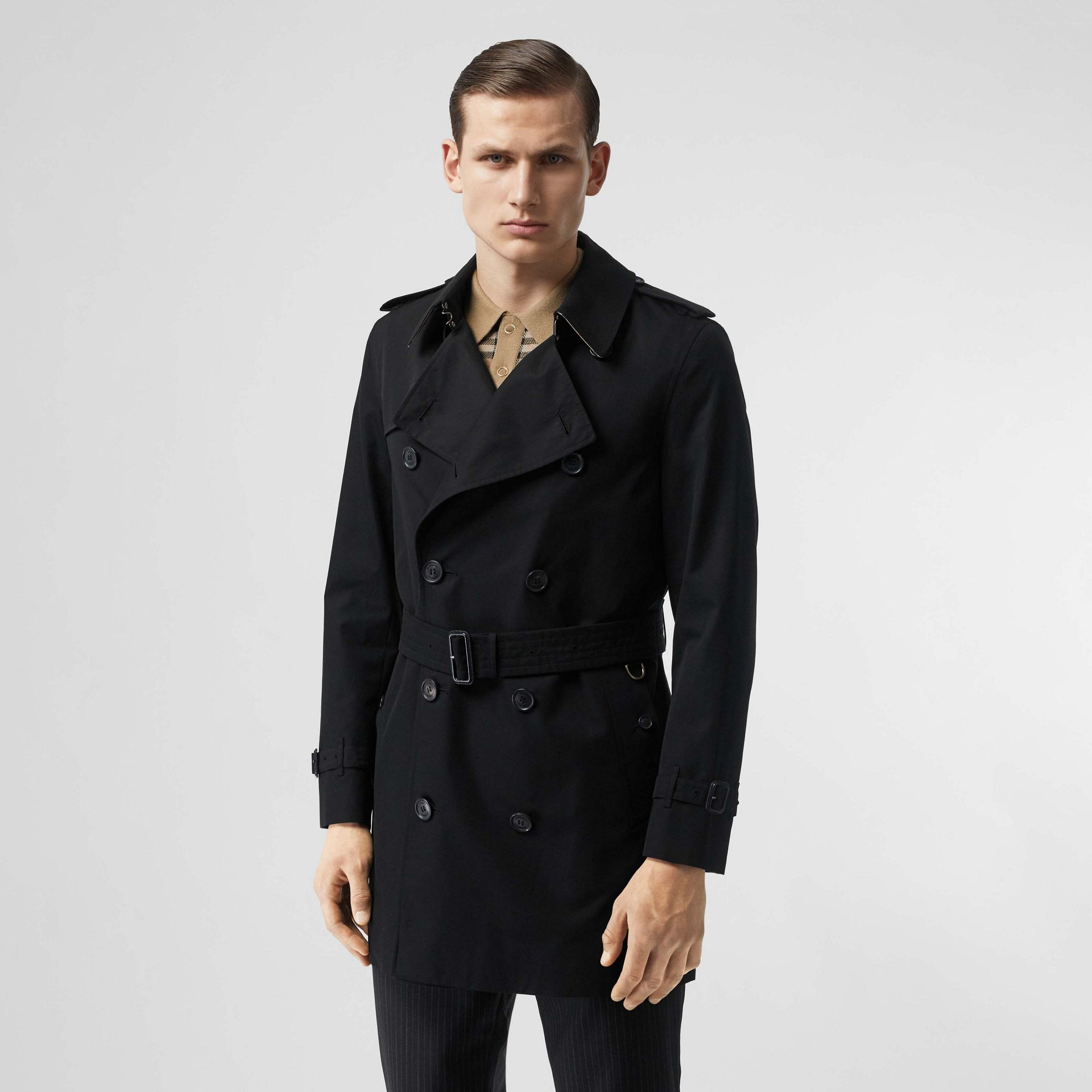 The Short Wimbledon Trench Coat in Black - Men | Burberry United States - gallery image 0