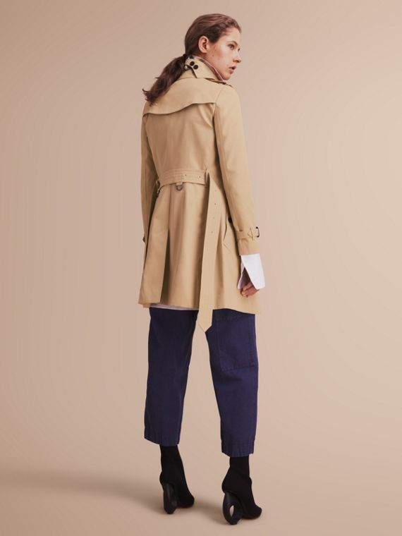 The Chelsea – Mid-length Heritage Trench Coat in Honey - cell image 2