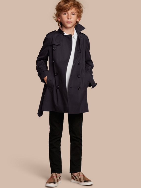 The Wiltshire – Heritage Trench Coat in Navy - Boy | Burberry Canada