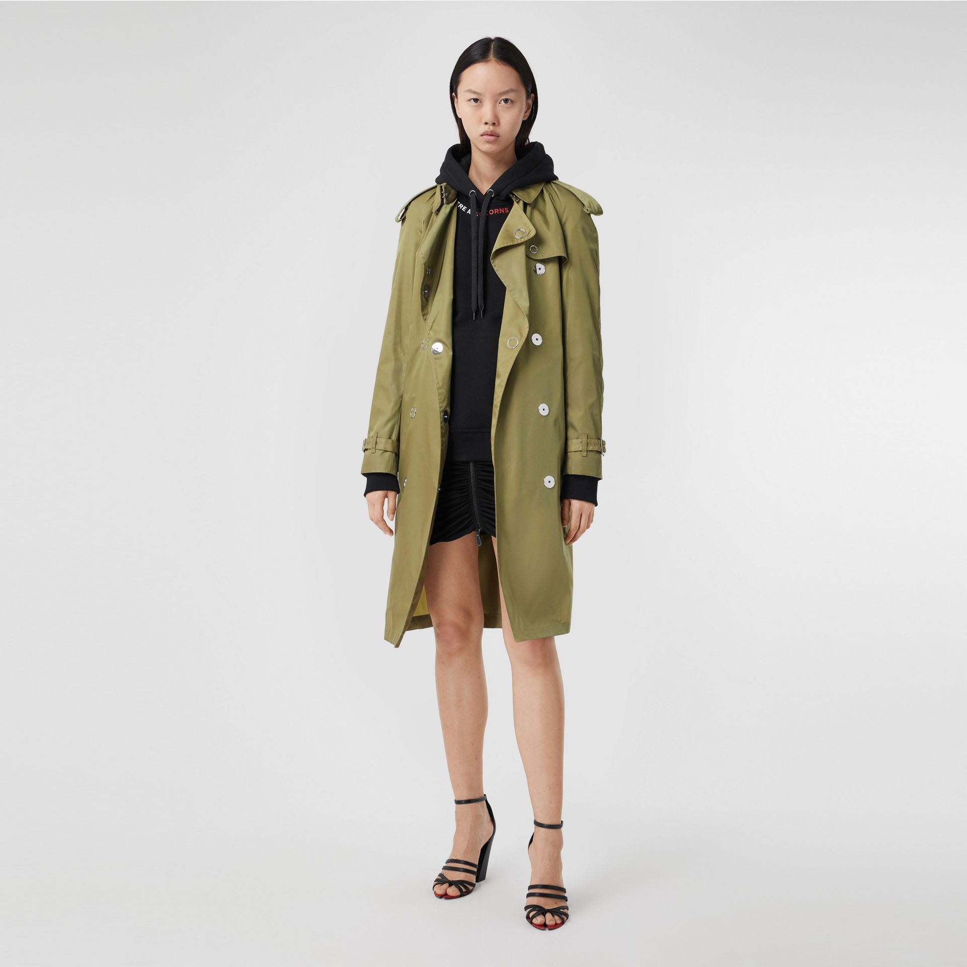 Press-stud Detail ECONYL® Trench Coat in Rich Olive - Women | Burberry Australia - gallery image 6