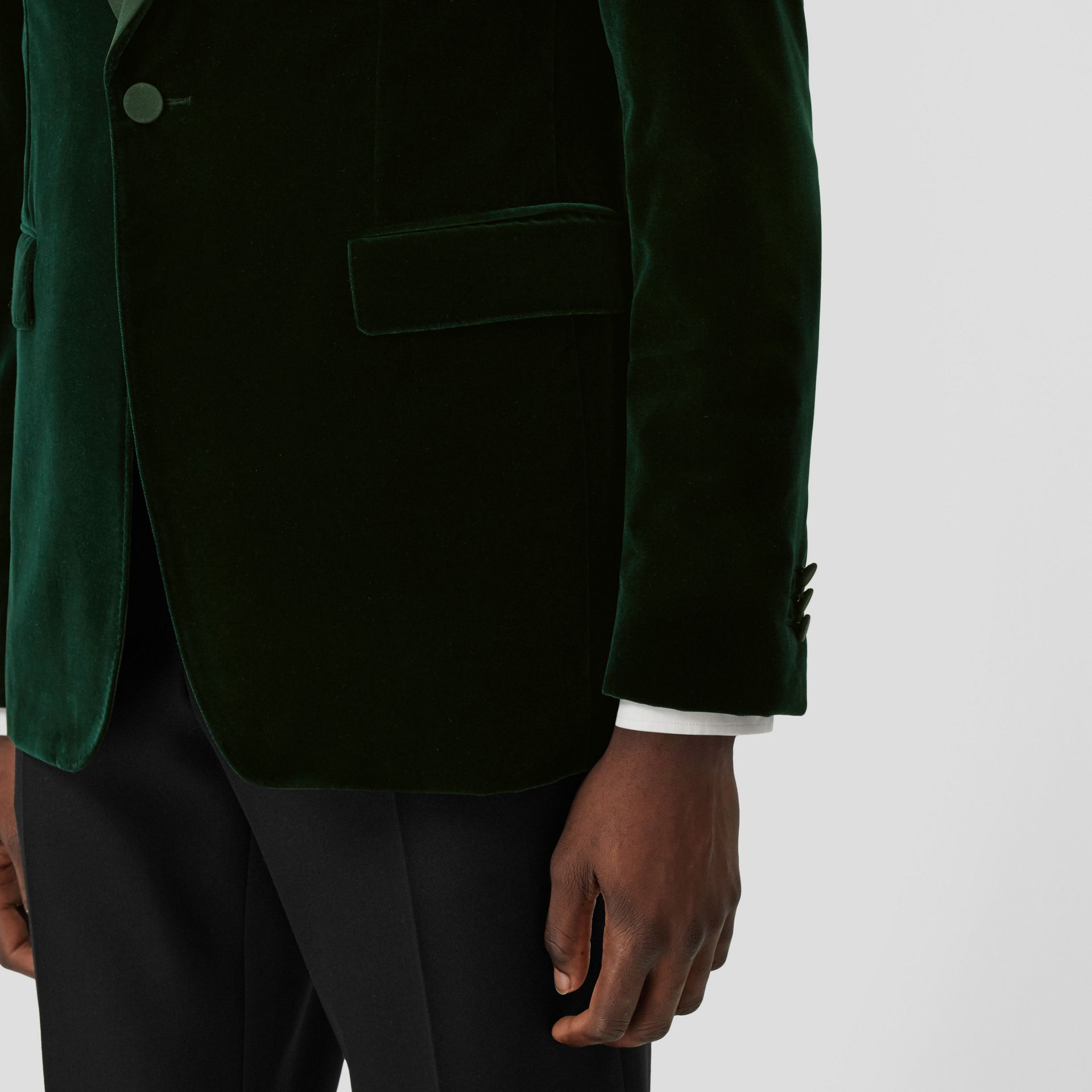 English Fit Silk Trim Velvet Tailored Jacket in Dark Pine Green - Men | Burberry Hong Kong S.A.R - gallery image 4