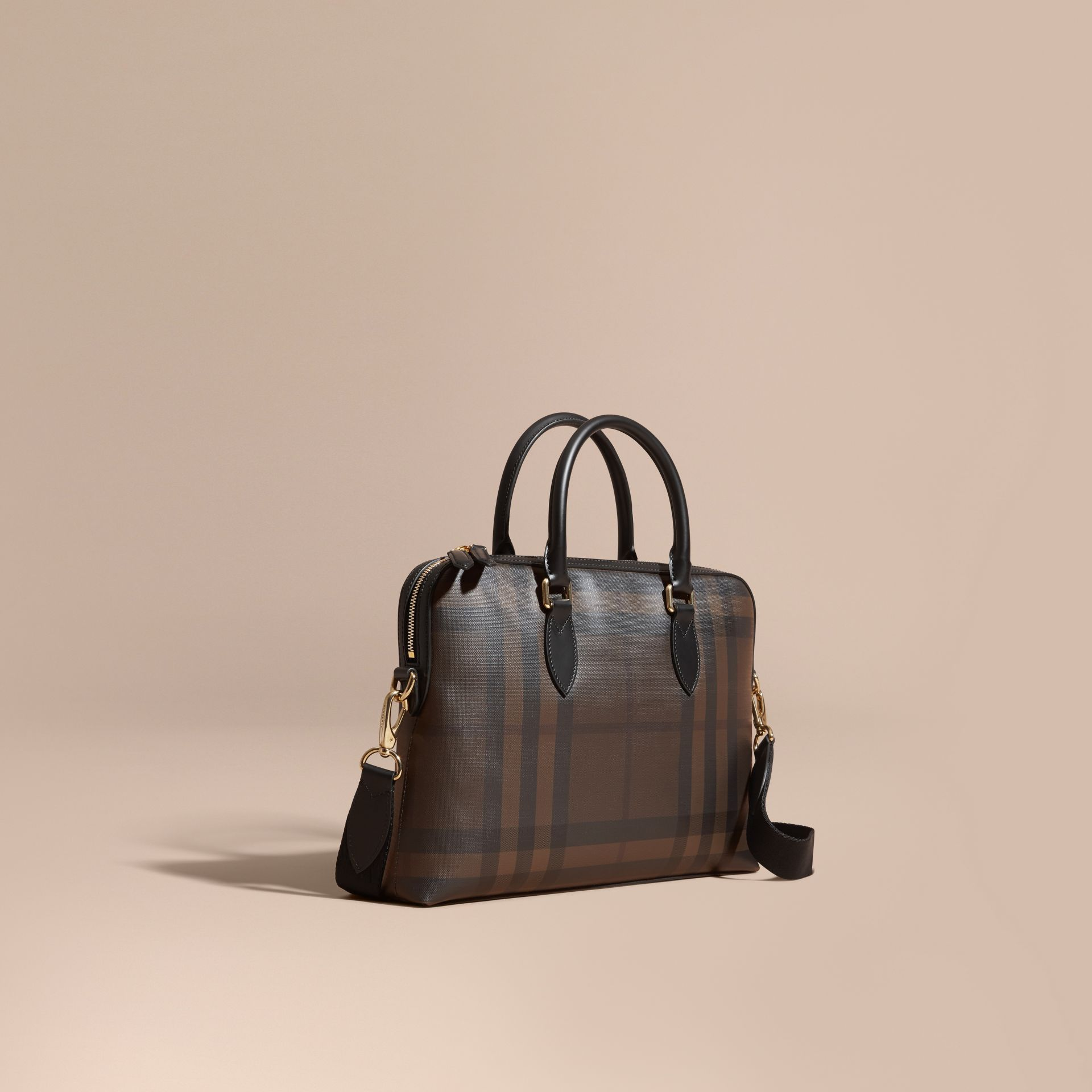 Sac The Barrow fin avec motif London check (Chocolat/noir) - photo de la galerie 1