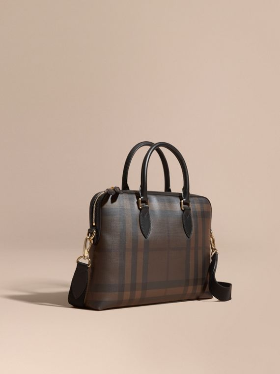 Bolso Barrow estrecho en London Checks (Chocolate / Negro)