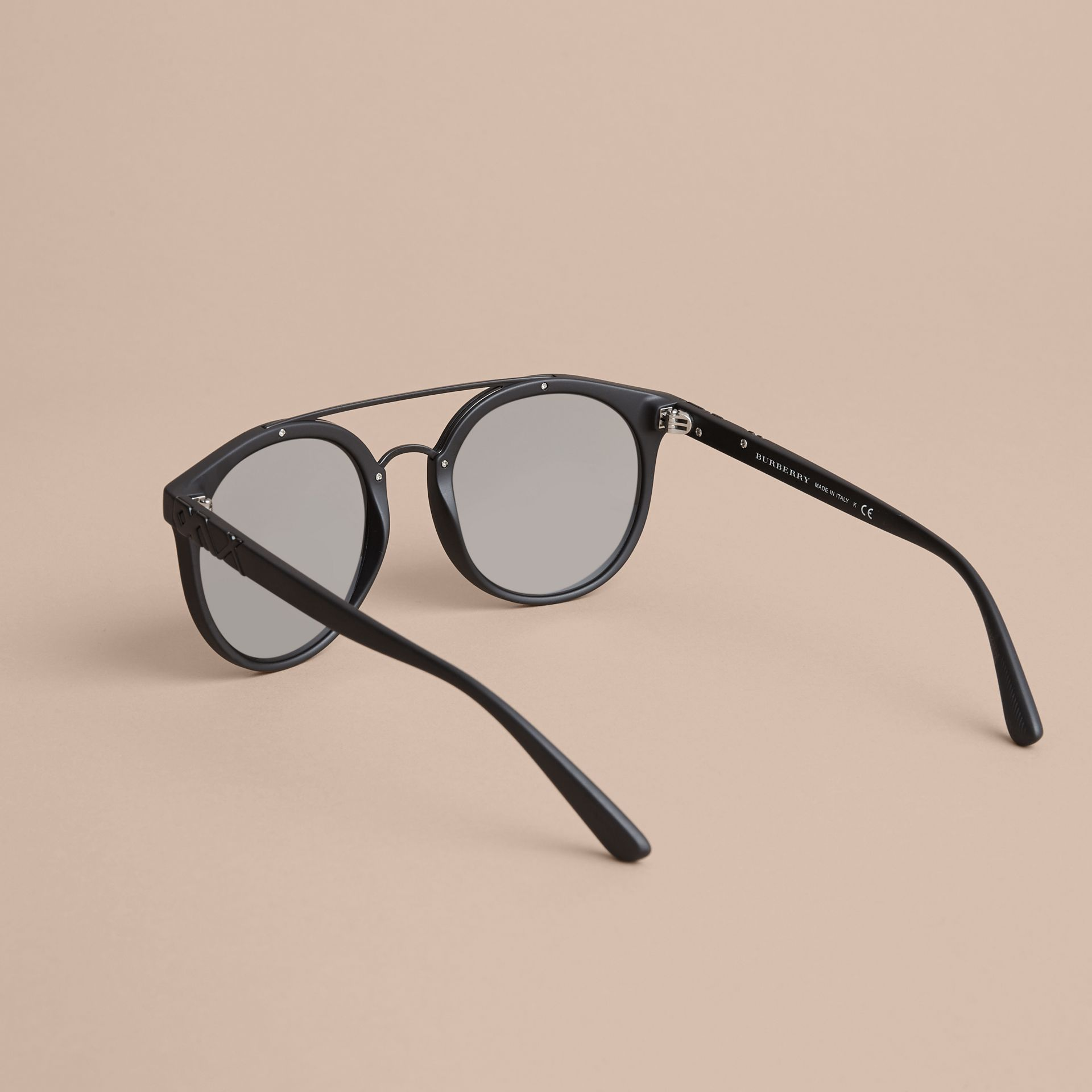 Top Bar Round Frame Sunglasses in Black - Men | Burberry - gallery image 3