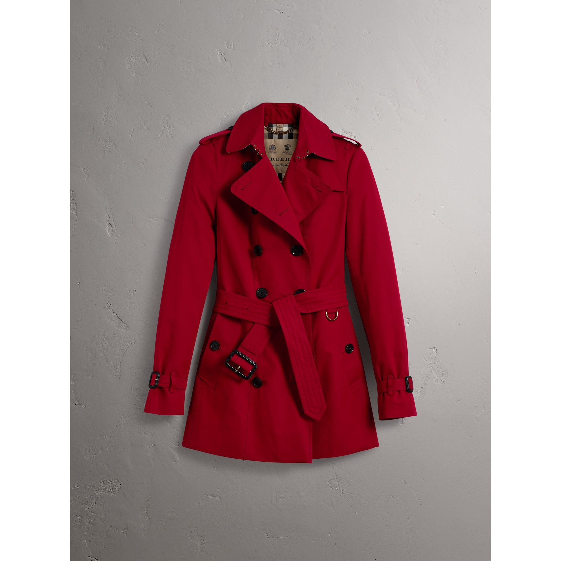 The Sandringham – Short Trench Coat in Parade Red - Women | Burberry United Kingdom - gallery image 4