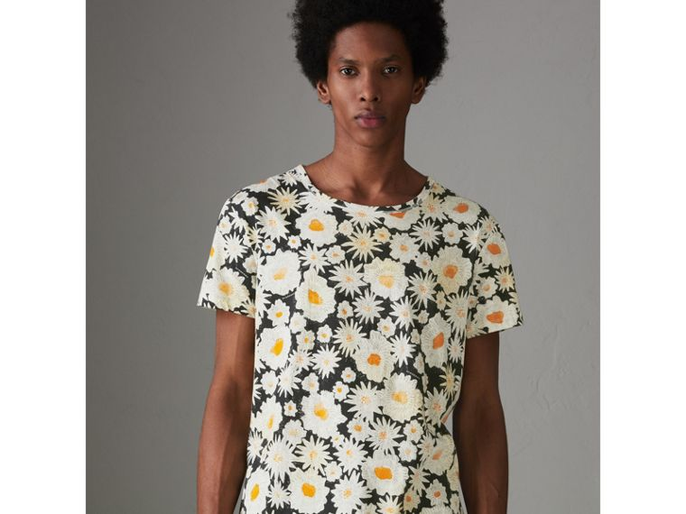 Daisy Print Cotton T-shirt in Black - Men | Burberry - cell image 4